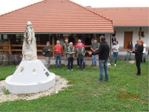 Karel Holec in delegacija ZVVS pred malim Triglavom